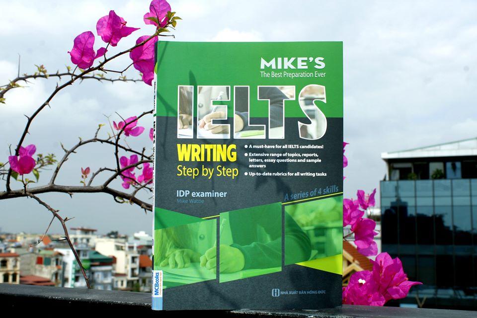 Cuốn sách IELTS Writing: Step by Step sẽ hướng dẫn bạn cách đạt điểm 9.0 trong bài thi IELTS Writing