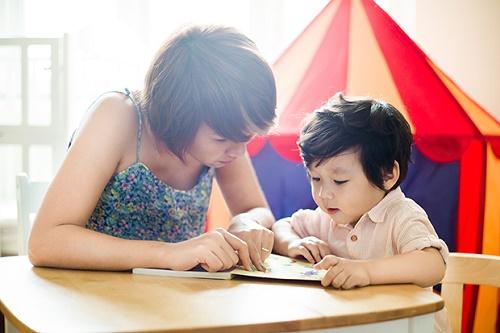 Nên cho bé học tiếng Anh bằng diễn tả cảm xúc từ sớm